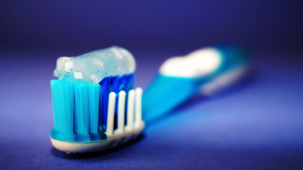 Keep your mouth fresh by brushing your teeth after meals.